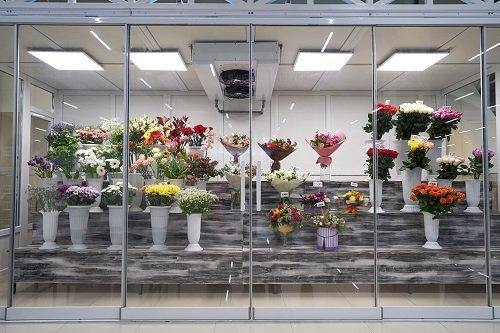 Refrigerator for flowers
